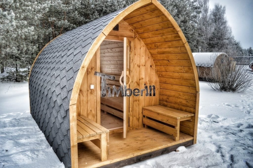 jardin ext rieur sauna en bois igloo avec des po les. Black Bedroom Furniture Sets. Home Design Ideas