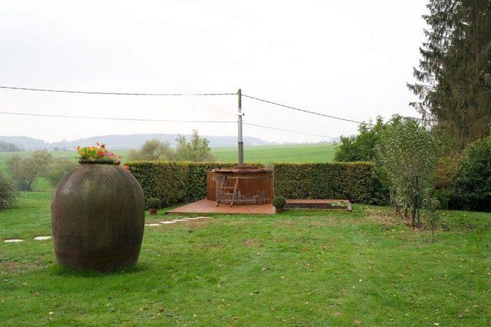 Jacuzzi Extérieur En Thermo Bois Deluxe, Jean Phillippe, La Neuville En Beine, France (2)